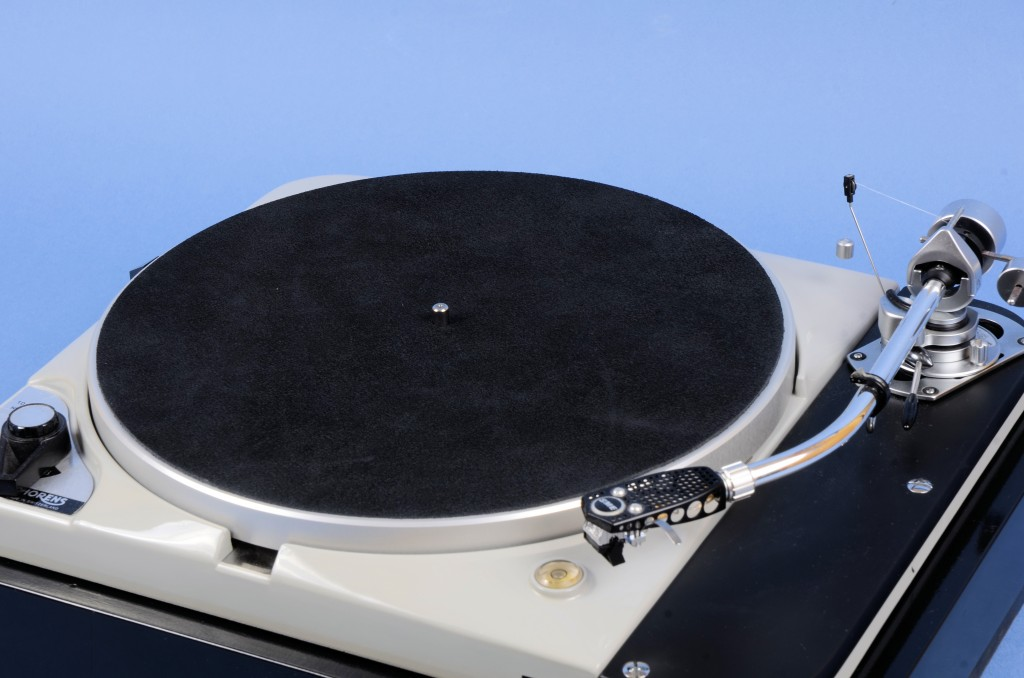 Thorens TD124 top platter centre bearing by Retrotone 2